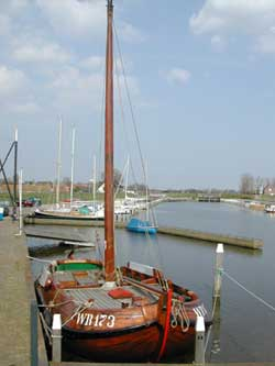 De Wieringer Aak in de haven van de Haukes