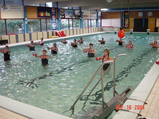 Zwembad de venne klaar voor nieuw zwemseizoen - Zwarte voering voor zwembad ...
