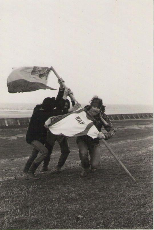 32b6b2ce2 Op de foto de oprichters van de WAP. De Wieringer Afscheidings Partij. Q.  Londt