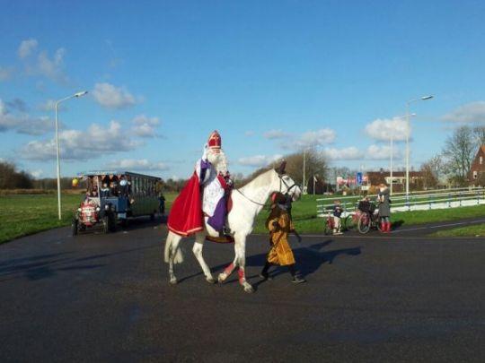 Kleurplaten Sinterklaas Op Zijn Paard.Intocht Sinterklaas